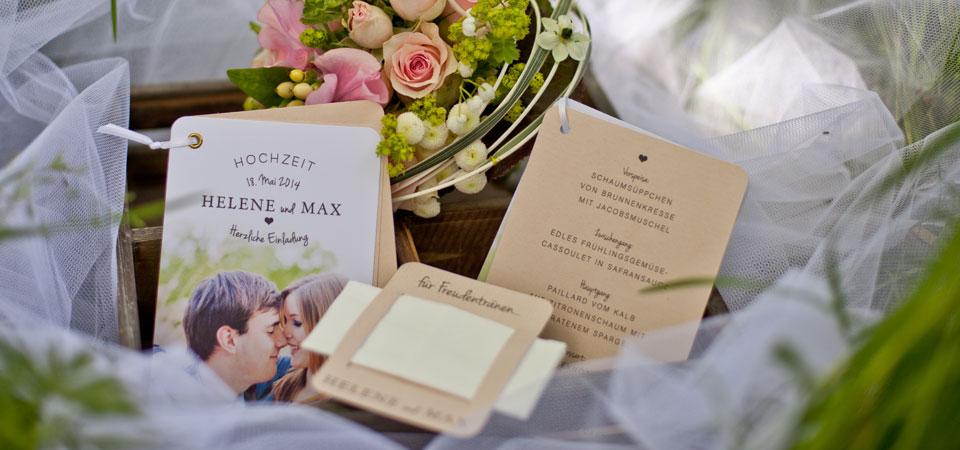 Schöne Hochzeitspapeterie in dezenten Farben