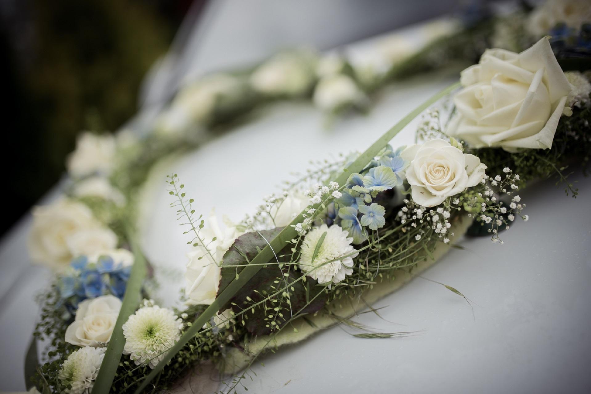 Autoschmuck Hochzeit Hortensien blau